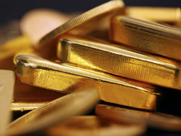 Gold prices below $1,300 in Asia trade ahead of Fed minutes release